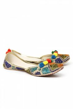 Kurta Pajama Punjabi, Punjabi Culture, Suit Accessories, Trendy Shoes, Flats, Sandals, Pumps, Heels, Incredible India