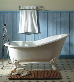 I'm really leaning towards a clawfoot tub in my bathroom