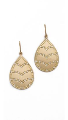 Jamie Wolf Engraved Leaf Diamond Earrings. #fashion #jewelry #earrings