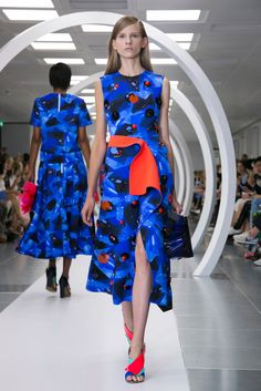 Simone Oliver: This Roksanda Ilincic look mimics aquatic movement and can be worn with sky high heels or a sneaker. (Photo: Nowfashion)