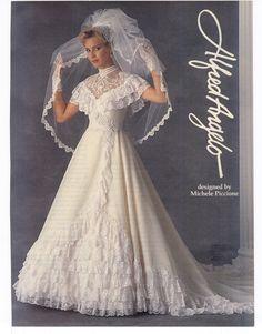 Ugly Wedding Dress, 1970s Wedding Dress, Wedding Attire, Wedding Gowns, Chic Vintage Brides, Vintage Wedding Photos, Vintage Weddings, Vintage Bridal, Perfect Bride