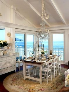 Seaside dining....like everything but the rug...would use a sisal rug instead!!! Bebe'!!!