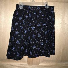 Blue flower skirt American eagle blue flower skir American Eagle Outfitters Skirts