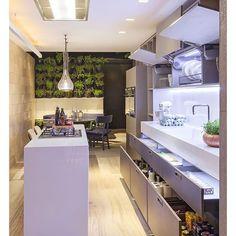 Ilha linda integrada ao jantar com ótimo gaveteiro que serve de dispensa  Snapchat: Decoredecor  ARCHITECTURE | INSPIRATION | KITCHEN
