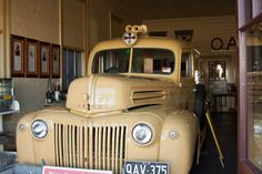 To far in one day to Charters Towers so we stopped at Reid River Rest area for the night, meet some other happy camper for. Ambulance, Ford Trucks, Towers, Old Cars, Antique Cars, Australia, Vehicles, Vintage, Vintage Cars