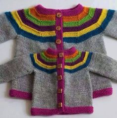 Little Right as Rainbow pattern by Stephanie Lotven Ravelry: Right as Rainbow Baby Cardigan pattern de Stephanie Lotven Baby Sweater Patterns, Baby Boy Knitting, Baby Cardigan Knitting Pattern, Knitted Baby Cardigan, Knit Baby Sweaters, Knitted Baby Clothes, Knitting For Kids, Baby Knitting Patterns, Baby Patterns