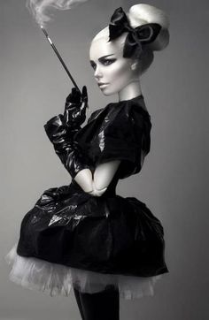 like the style of the picture, the dress is very interesting