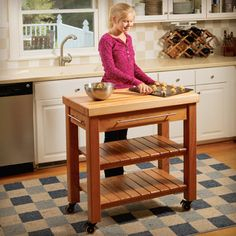 Rolling Kitchen Island Woodworking Plan by Woodworkers Journal