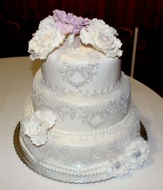 My first wedding cake. I love this style. Romantic. I love to bake....