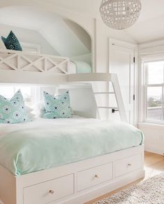 ❤❤Genius use of space in this shared bunk room! When my daughter saw it, it was love at first sight!  via: @hanleydevelopment