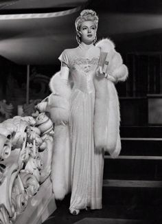 Lana Turner, 1946 - the hair, the fur, the dress...swoon! #vintage #1940s #actress