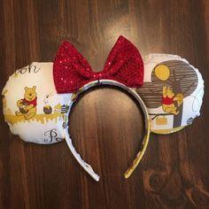 Winnie the Pooh Minnie Mouse ears Diy Disney Ears, Mickey Mouse Ears Headband, Disney Mickey Ears, Cat Ears Headband, Disney Diy, Minnie Mouse, Disney Stuff, Disney Food, Disney Parks