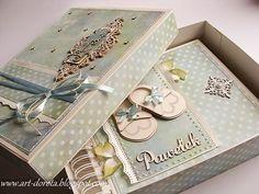 ´Baby box by Dorota Kopec. Mini Scrapbook Albums, Baby Scrapbook, Baby Mini Album, Baby Box, Decoupage Box, Altered Boxes, Album Book, Baby Cards, Scrapbooks