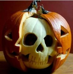 Pumpkin decorating ideas for Halloween is an important thing in Halloween day. Because I think there is no Halloween without our favorite pumpkins. Halloween is Humour Halloween, Halloween Jack, Holidays Halloween, Halloween Crafts, Holiday Crafts, Holiday Fun, Happy Halloween, Halloween Party, Halloween Skull