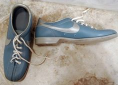vintage nike bowling shoe Bowling Shoes, Nike Shoes Outlet, Discount Sites, Vintage Nike, Sperrys, Boat Shoes, Athlete, Casual Outfits, Sneakers