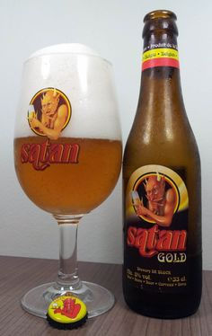 Cerveja Satan Gold, estilo Belgian Golden Strong Ale, produzida por De Block Brouwerij, Bélgica. 8% ABV de álcool.