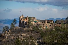 Here are 5 castles in Colorado you probably never knew existed. Cherokee Ranch and Castle. The castle, fashioned in 15th century Scottish style is tru...