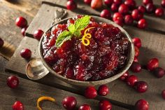 Ever wondered whether or not cranberry sauce is good for your teeth? It's got plenty of great stuff inside: Antioxidants Vitamin C & Fiber.  Cranberries  like blueberries kale and oatmeal  are often called a superfood because of their many health benefits. They are one of the most antioxidant-rich foods you can find and antioxidants load your cells to protect you from disease. Cranberries are also rich in dietary fiber which has been shown to reduce tooth decay and Vitamin C. which…