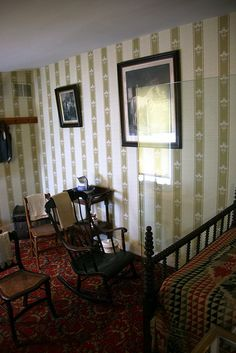 Room where Abraham Lincoln died 01 - Peterson House - Washington DC - William Wallace Lincoln, Robert Todd Lincoln, Abraham Lincoln Family, Us History, American History, White Cotton Curtains, Lincoln Assassination, White Paper Lanterns, Presidential History