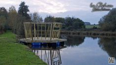 Floating cabin build... #glehias #laglehias #carp #fishing #angling #lake #frenchfishing #france #bigfish #catfish #coursefish #coursefishing #lakelauren #lakewilliam #floatingislandaccommodation #farmhouseaccommodation #sport www.laglehias.com