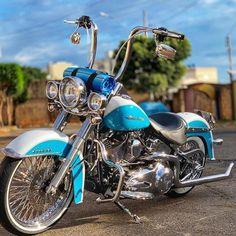 Motorcycle Paint Jobs, Motorcycle Art, Cruiser Motorcycle, Harley Bikes, Harley Davidson Motorcycles, Moto Fest, Cholo Style, Custom Street Bikes, Old School Chopper