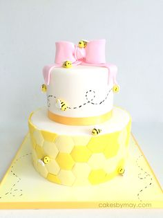 Bee 1st Birthday Cake - Love all the little details on this sweet cake.