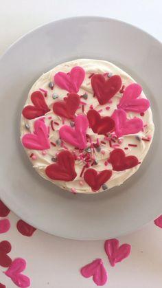Valentines Day Cake Decorating Idea