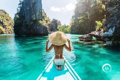 Imagine walking into a distant land filled with smiles, coconuts, stunning beaches and friendly locals who speak fluent English. You have just imagined yacht charters in the Philippines. Hotels In The Philippines, Philippines Palawan, Beautiful Streets, Beautiful Places To Visit, New Seven Wonders, El Nido Palawan, Puerto Princesa, Pretty Beach, Best Resorts