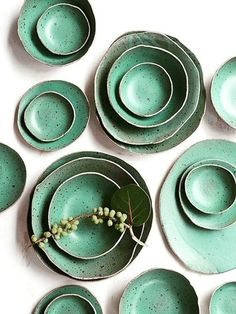 Ceramic Decor, Ceramic Plates, Pottery Plates, Ceramic Pottery, Dining Table Decor Everyday, Circus Decorations, Food Photography Props, Plate Design, Luxury Home Decor