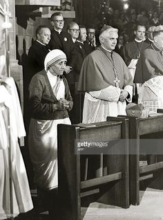 A September 1978 photo provided by the German Catholic News Agency KNA shows Mother Teresa and German Cardinal Joseph Ratzinger, attending a mass during the German Catholics Day in Freiburg, southern Germany, from September 13 to Photo: AP Catholic News, Catholic Quotes, Catholic Art, Catholic Saints, Roman Catholic, Saint Teresa Of Calcutta, Sainte Therese, Pope Benedict Xvi, Pope John Paul Ii