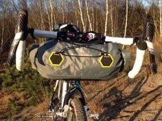 Apidura_bikepacking_bags_handlebar_pack_compact_cyclocross_training