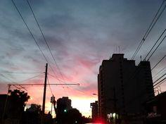 Por de sol na Avenida Paes de Barros ontem ao final da tarde. Belas cores.