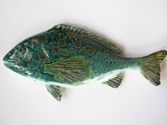 ceramic fish would be awesome in raku.especially if it was a rainbow trout Fish Sculpture, Pottery Sculpture, Fish Artwork, Clay Fish, Ceramic Animals, Sea Art, Slab Pottery, Animal Decor, Animal Sculptures