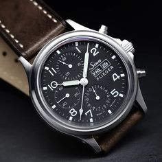 358 Sa Flieger - 358 Sa PILOT – The traditional chronograph. Vintage Watches For Men, Best Watches For Men, Luxury Watches For Men, Popular Watches, G Shock Watches Mens, Mens Sport Watches, Mens Military Watches, Stylish Watches, Cool Watches