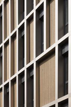 Constructocracy – Apartments von IND in Istanbul Timber Architecture, Residential Architecture, Contemporary Architecture, Architecture Details, Building Front, Building Exterior, Building Facade, Cladding Design, Facade Design