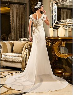 A-line/Princess Plus Sizes Wedding Dress - Ivory Court Train Sweetheart Lace/Satin – USD $ 179.99