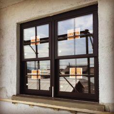 Junk_sweet_Garden_teftefさんの、モルタル,近代建築,格子窓,上げ下げ窓,リノベーション,建築中,古民家,のお部屋写真