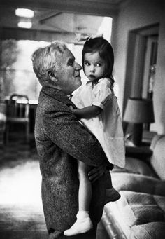 1952. Charlie CHAPLIN with his daughter... W. Eugene Smith, California. Hollywood.