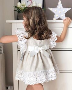 Kids Outfits Girls, Little Girl Dresses, Girl Outfits, Girls Dresses, Flower Girl Dresses, Baby Girl Fashion, Toddler Fashion, Kids Fashion, Baby Dress Design