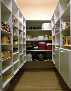 A Pantry..a dream in itself let alone this board!