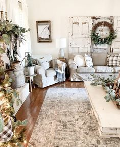 32 Charming Neutral Farmhouse Living Room Decor Ideas - Your living room should be decorated in your own personal style, not that of a decorator. The living room is usually the first room that your guests s. Coastal Living Rooms, Living Room Decor, Cozy Living, Small Living, Modern Living, Cute Little Houses, Cozy Christmas, Christmas Decor, Country Christmas