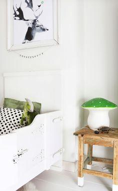 Me encantan las setas en habitaciones infantiles • Green mushroom