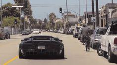 Dos abuelas se suben a un Lamborghini de 200 mil dólares. Mira lo que pasa cuando sacan el coche
