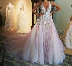 A diferent and original wedding dress
