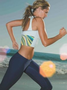 Fitness Fashion Flash: Roxy Making Workout Gear strong is the new sexy Yoga Fashion, Sport Fashion, Fitness Fashion, Outdoor Workouts, Fun Workouts, Fit Girl Motivation, Fitness Motivation, Fitness And Beauty Tips, Foto Sport