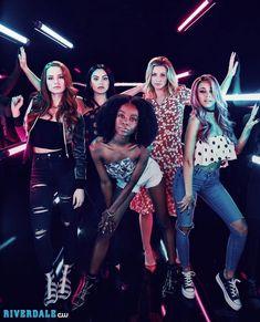 Madelaine Petsch, Camila Mendes, Ashleigh Murray, Lili Reinhart and Vanessa Morgan Kj Apa Riverdale, Riverdale Netflix, Riverdale Poster, Riverdale Cheryl, Riverdale Aesthetic, Riverdale Funny, Riverdale Memes, Spice Girls, Vanessa Morgan