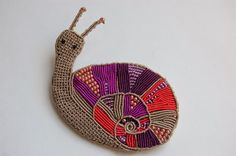 #macrame snail brooch #Caracol