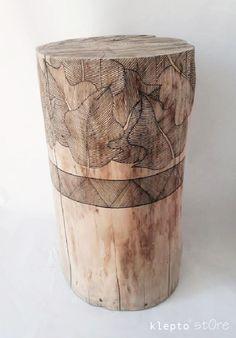 Tronc en bois peintdim. diam.23 cm x h.42 cmLe tarif de la livraison hors France se fera sur devis