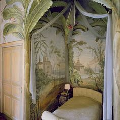 Tropical Mural in Bedroom Niche, and Faux Palm Trees Chinoiserie Wallpaper, Chinoiserie Chic, Elegant Home Decor, Elegant Homes, Decor Interior Design, Interior Decorating, Home And Deco, Wall Treatments, My Dream Home