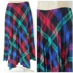 Vintage 70s Pleated Skirt Size Medium Accordion Plaid School Girl Hipster Retro #AlfredDunner #Pleated